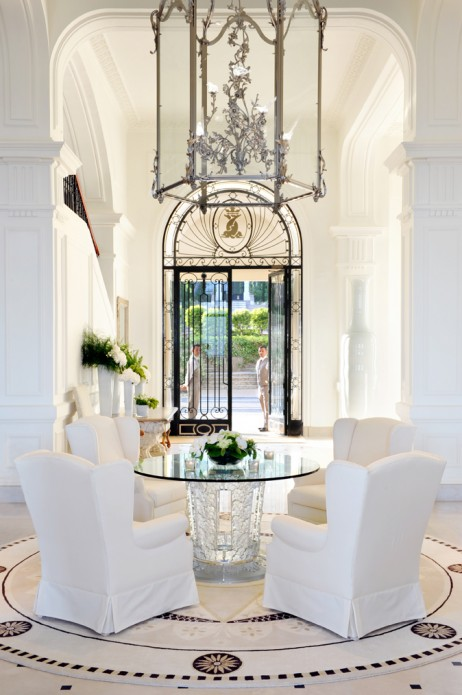 Four Seasons Hotel - Home & Realty Magazine
